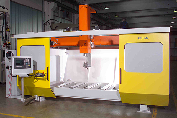 geiss-5-axis-router-doors-open